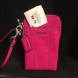Coach NEW wristlet wallet patent leather hot pink